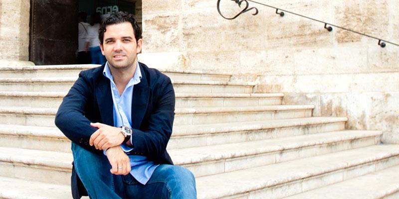 El portavoz socialista Juan Antonio Sagredo a las puertas del Ayuntamiento