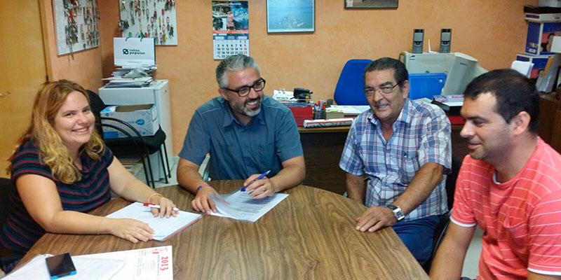 Juanma Ramón y Neus Herrero durante la reunión con la Cooperativa